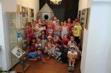 Děti si vyráběly svou vlastní medaili / fotogalerie / Děti z příměstského tábora Domu dětí a mládeže Hranice, foto: Marek Suchánek