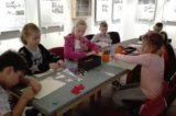 Žáci si vyzkoušeli výrobu vlastních medailí / fotogalerie / foto: Ivana Žáková
