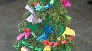 Výstava vánočních stromků / fotogalerie / ZŠ a MŠ Drahotuše, foto: Veronika Koláčková