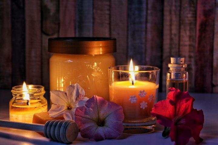 Výroba svíček a medu