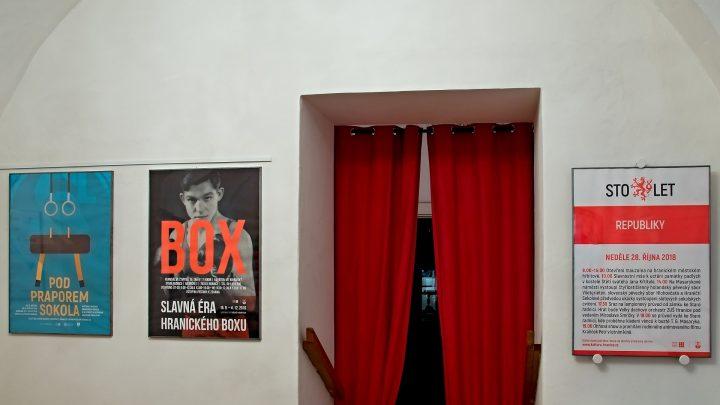 Dernisáž výstavy Jan Koráb – Plakáty a loga