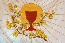 Ve znamení kříže a kalicha