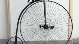 Z muzejních sbírek: Nebezpečně vysoké kolo