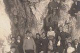 Z muzejních sbírek: Zbrašovské jeskyně / fotogalerie / První část úvodní fotografie z roku 1915, ze které byla vytvořena pohlednice, foto: sbírky hranického muzea